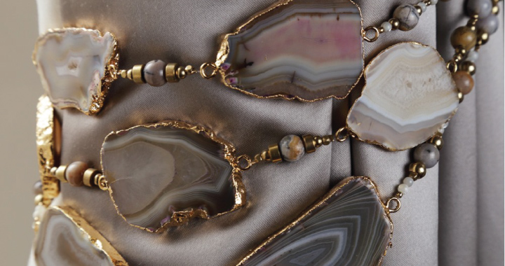 Spina agate tiebacks