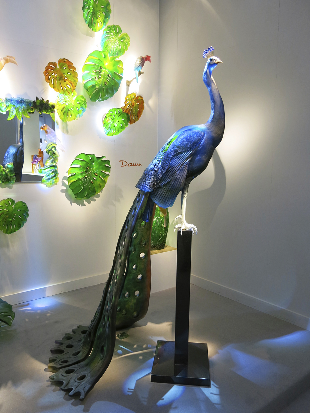 Peacock sculpture by Daum